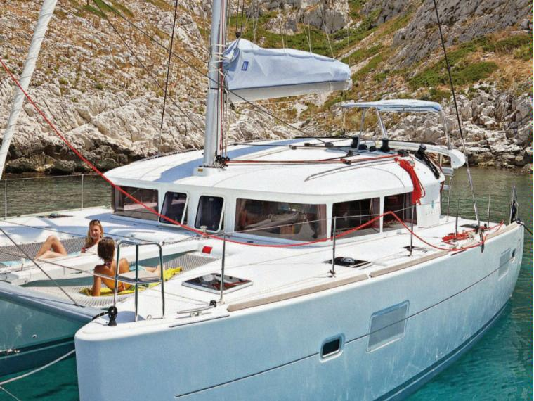 catamaran lagoon 400 for hire in formentera and Ibiza