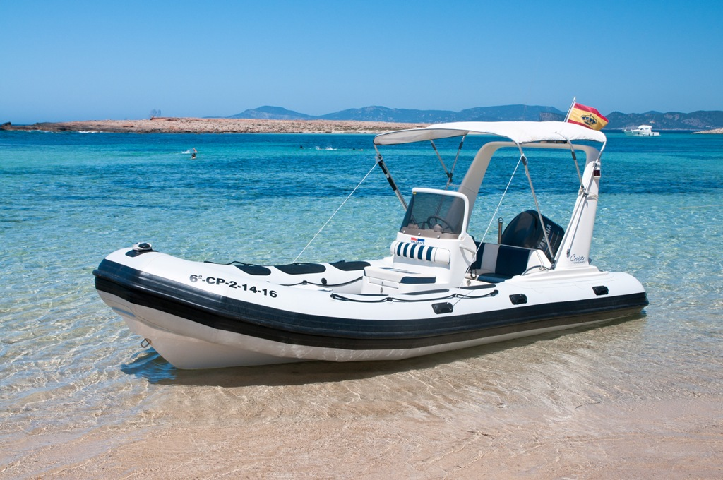 Rent Valiant 620 in Formentera and Ibiza